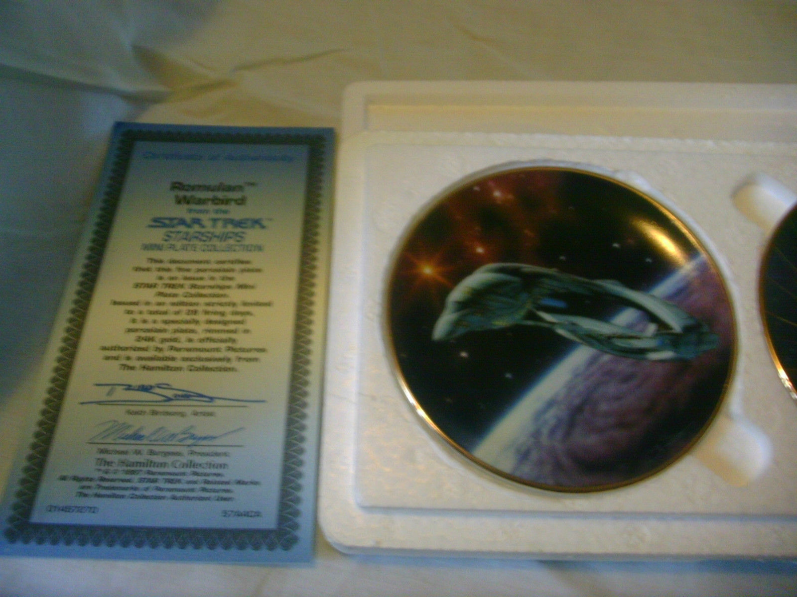 Star Trek Starships Mini Plates Set of 2 The Hamilton Collection image 3