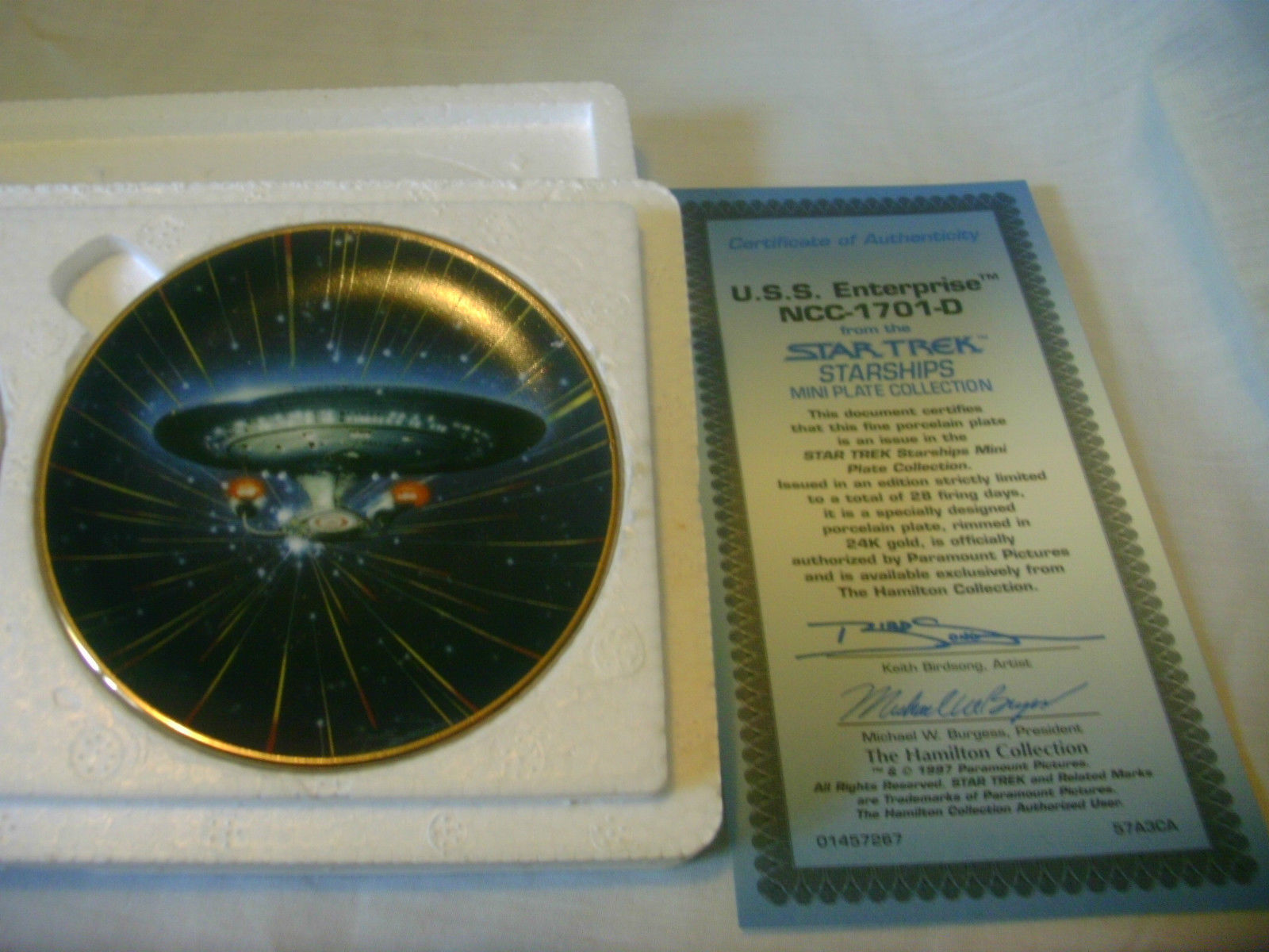 Star Trek Starships Mini Plates Set of 2 The Hamilton Collection image 2