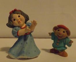 Hallmark Merry Miniatures Snow White and Dancing Dwarf 2-Piece Set 1997 image 2