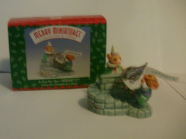 1999 Hallmark Merry Miniatures A Kiss For You - Hershey's Collectors Series - $8.99