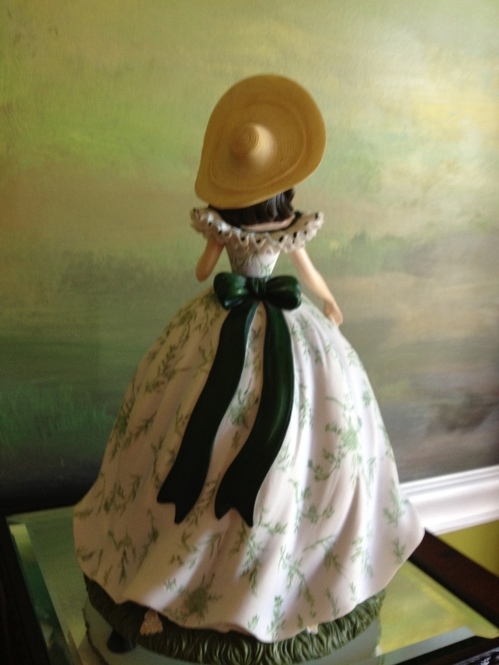 San Francisco Music Box Co - Scarlett O'Hara in Picnic Dress Gone With the Wind