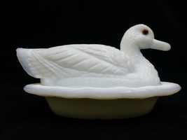 Vintage Westmoreland White Milk Glass Large Duck on Nest Covered Dish Wa... - $41.77