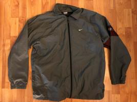 Nike Men's Windbreaker Jacket, Lightweight, Mesh Lining Size Large - $16.83