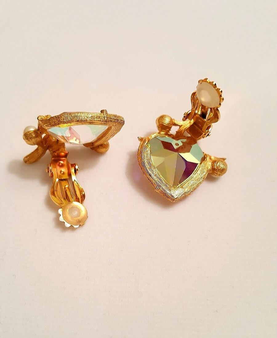 Vintage Aurora Borealis Heart Shaped Golden Jewelry Set