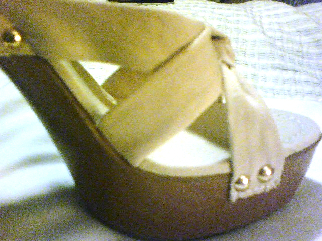 NEW SLEEK BEAUTIFUL Platform heels Off-white Beige Slides Slip-On  image 3