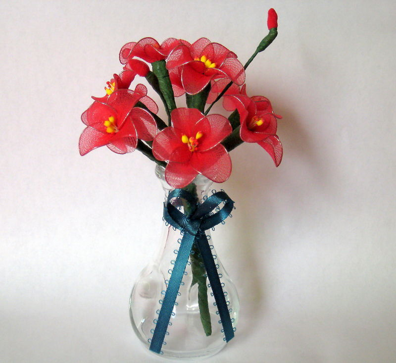"""Vintage Floral Decor Vase with flowers 4"""" x 6.5"""" Gift red handmade nylon Flowers"""