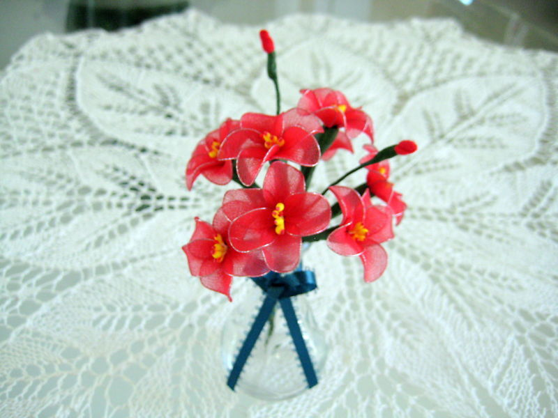 """Vintage Floral Decor Vase with flowers 4"""" x 6.5"""" Gift red handmade nylon Flowers image 3"""