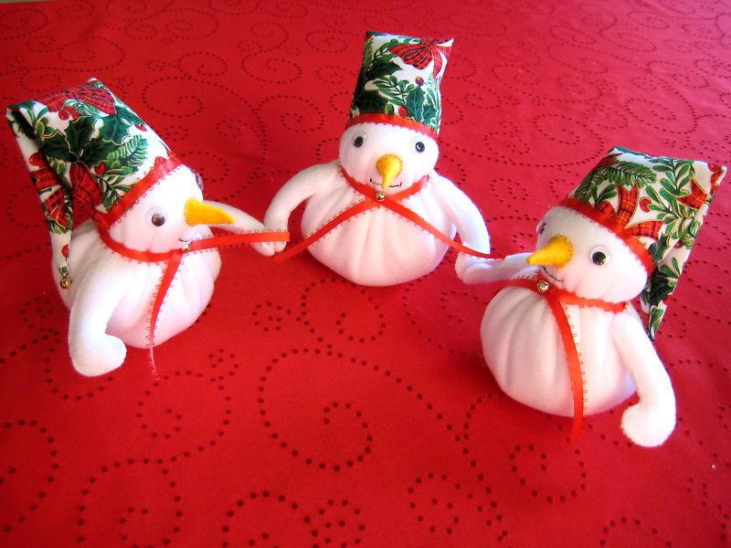 "Snowman Trio fleece  fabric stuffed 16""x6.5"""