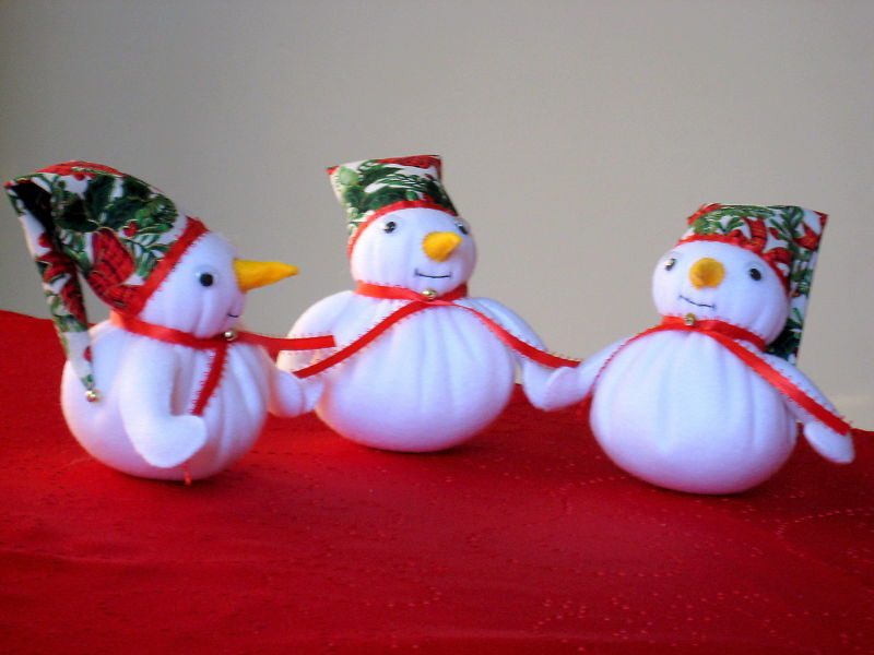"Snowman Trio fleece  fabric stuffed 16""x6.5""  image 2"