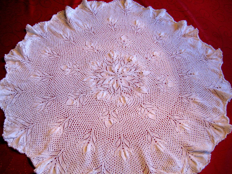 Vintage Design Tablecloth knitted