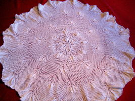 Vintage Design Tablecloth knitted image 1