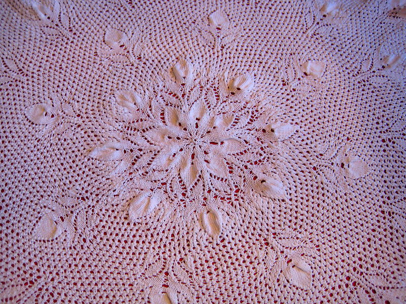 Vintage Design Tablecloth knitted image 2