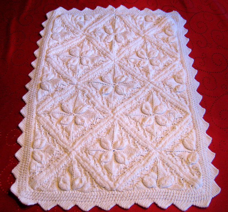 "Vintage Design Baby Cover Stylish Boy Girl 20""x29"" white knitted"