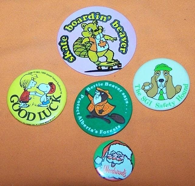 Advertising Buttons 5 Snoopy Skatebaord Beaver