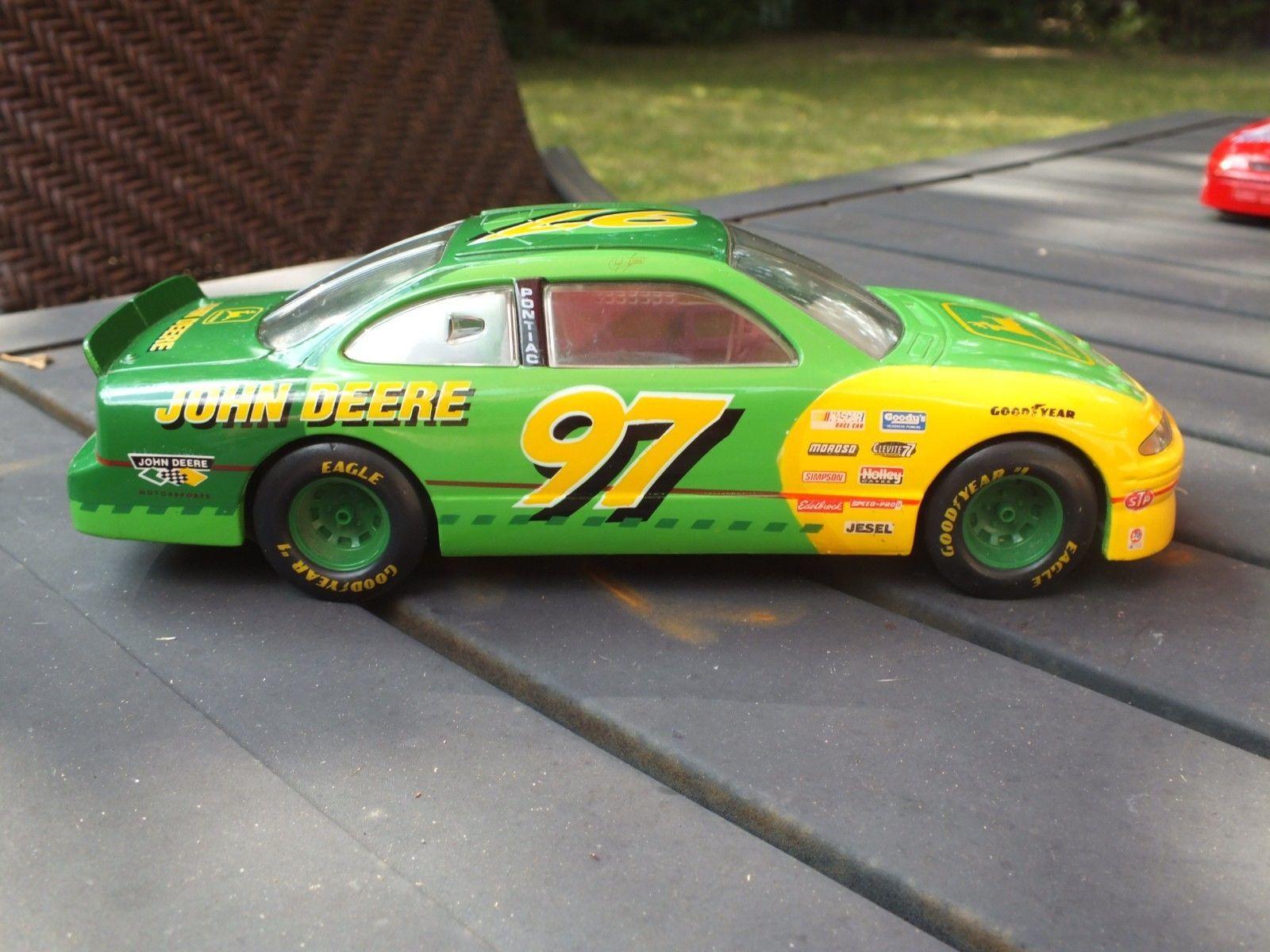 New 1996 Racing Champions 1:24 NASCAR Chad Little John Deere Grand Prix Bank #23