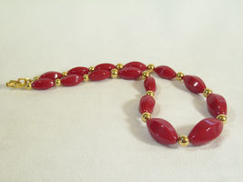 Napier Hot Red Beads Choker Necklace Gold Plated Oval Graduated Size Vintage  image 4
