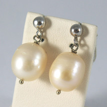 SOLID 18K WHITE GOLD EARRINGS, WITH PEARLS, LENGTH 0,87 INCHES, MADE IN ITALY. image 2