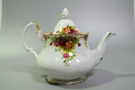 """Royal Albert Old Country Roses Teapot Large 7"""" with Lid English Bone China  - $159.63"""