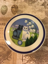 Vintage AZBERG Germany Porcelain Cats Trinket Box Round Trinket Box Signed - $10.75