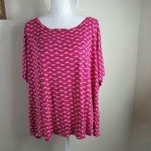 Old Navy Women's Shirt Top Size XXL Pink Geometric pattern Short Sleeve - $12.86