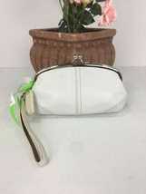 Coach Soho 3438 White Leather Curved Framed Kisslock Wristlet  Bag B27 - $79.15