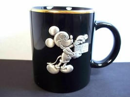 Mickey Mouse Disney Studios mug Black clapboard pewter emblem gold rim 10 oz - $12.84