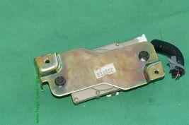 04-08 Nissan 350Z Convertible Tonneau Storage Cover Lock Release Actuator image 3