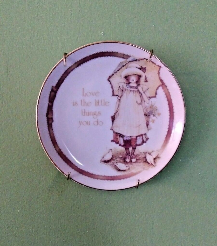Lasting Memories plate, Love is the little things you do, 1981, Mothers day