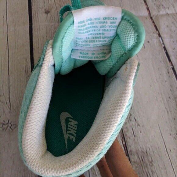 Nike   Size 7.5 Women's Green Dunk Sky High Sneakers Retro Lace Tie