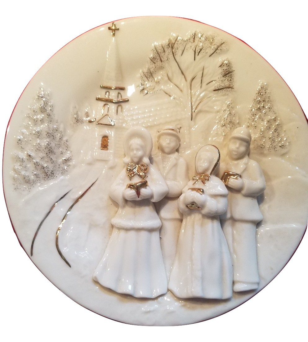 Primary image for Mikasa Holiday Elegance Fine Porcelain 3 Dimensional Christmas Caroler Plate