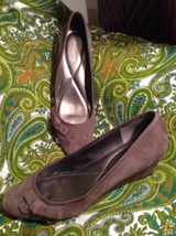 Easy Spirit Shyma Women's Brown Suede Bow Side Classics Wedge Shoes 10M Mrsp $99 - $39.59