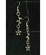 Cute Daisy Flower Dangly Earrings made with Nickel Free hooks - $5.40