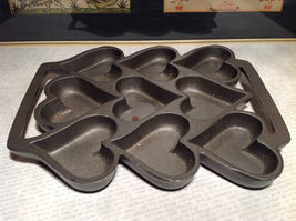Cast Iron Vintage Cookie Mold Heavy Bakes 9 Heart Shaped Cookies
