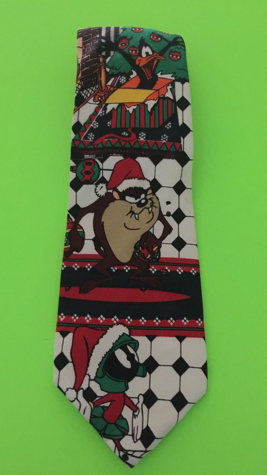 Primary image for Vintage 1995 Warner Bros Looney Tunes Mania Christmas Characters Neck Tie Gift