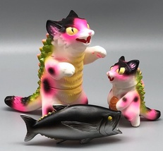 Max Toy Hot Pink Spotted Negora and Micro Negora w/ Fish - Rare image 1