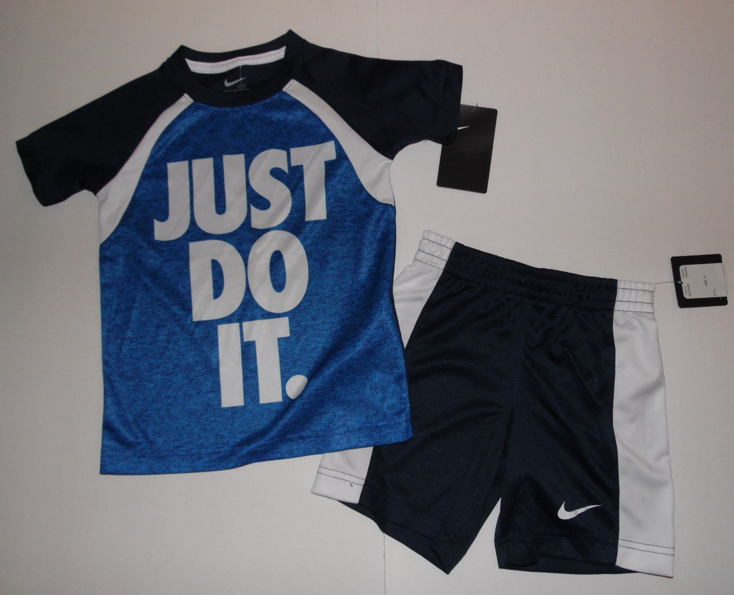 Nike Boys 2 piece Shorts Outfit  Just Do It Size 4 NWT