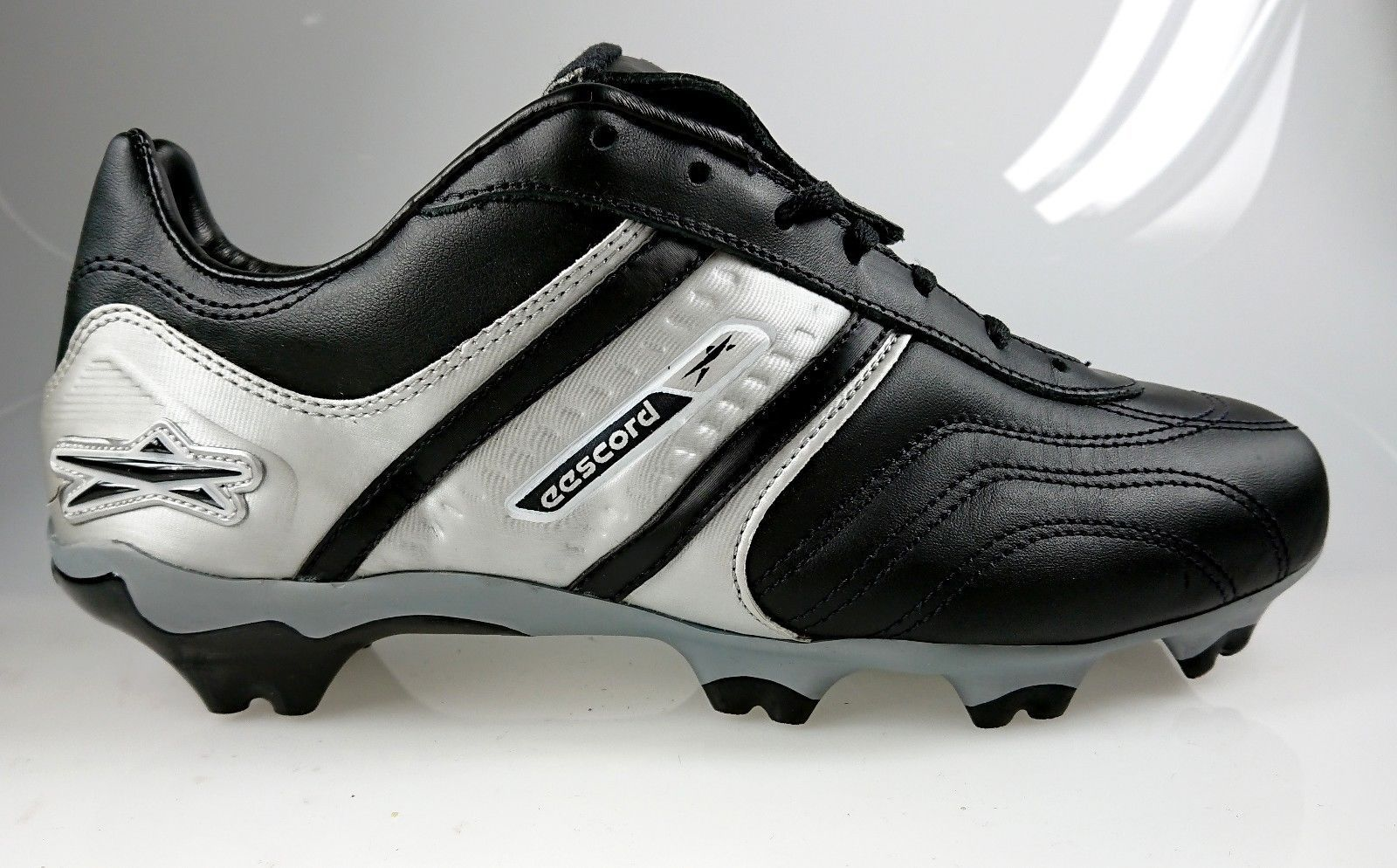 Mens Concord Soccer Cleats Style S170XR Black//Red Leather