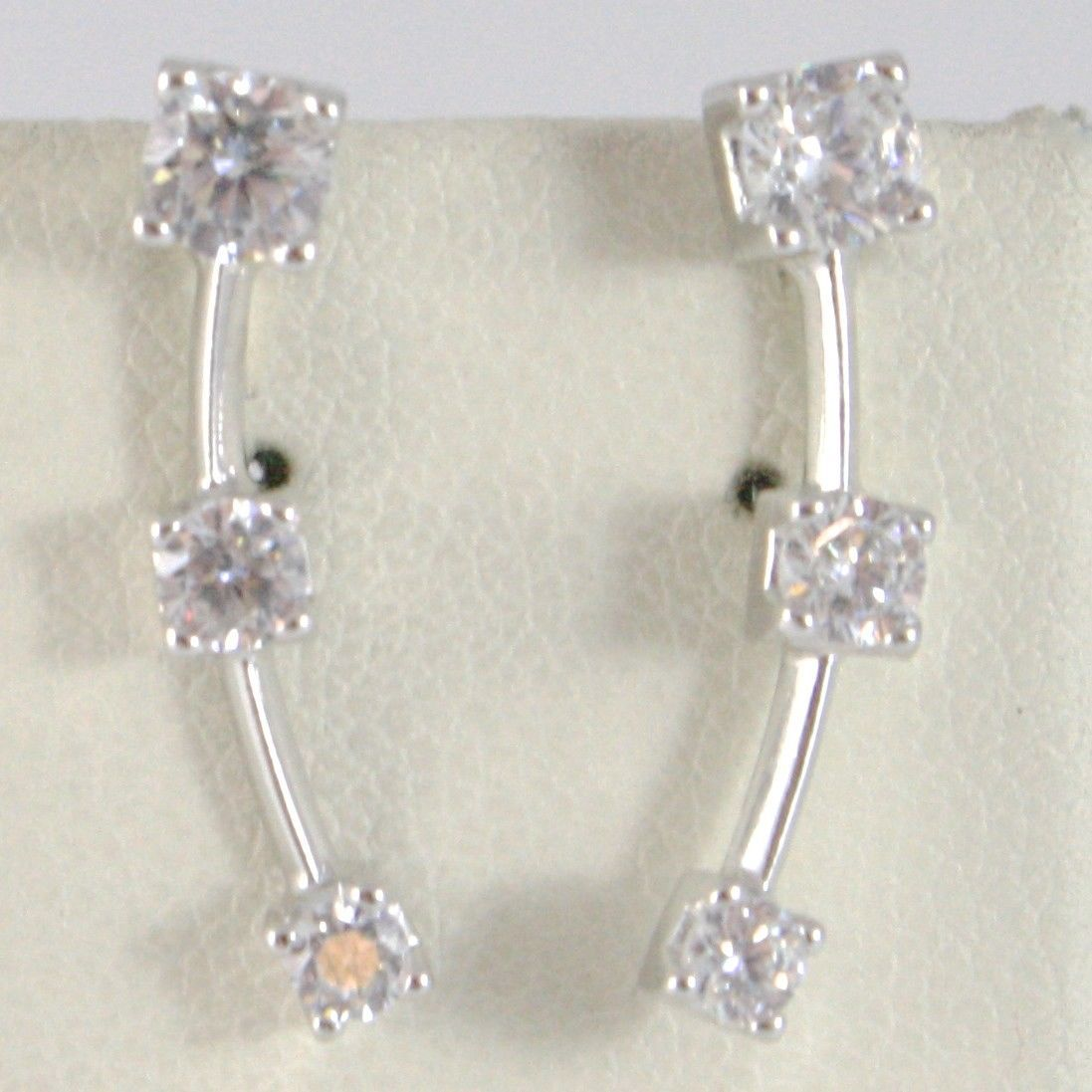 18K WHITE GOLD PENDANT TRILOGY EARRINGS OR EAR CLAMP ALONG LOBE SIDEWAYS CLIMBER