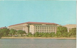 Washington DC, Bureau of Engraving 1950s unused chrome Postcard  - $3.99