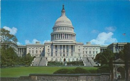 Washington DC, The Capitol 1950s unused chrome Postcard  - $3.99