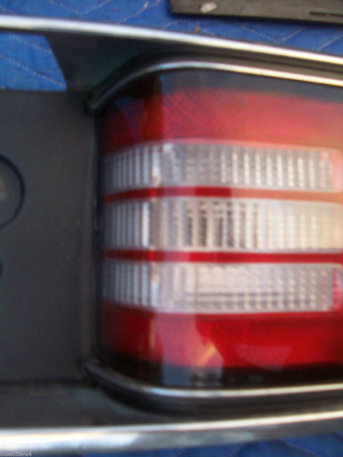 1992 1993 1994 1995 BUICK LESABRE CENTER TAIL LIGHT OEM USED TRUNK MOUNT PANEL image 7
