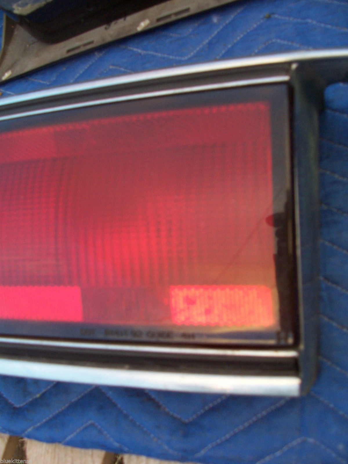1992 1993 1994 1995 BUICK LESABRE CENTER TAIL LIGHT OEM USED TRUNK MOUNT PANEL image 9