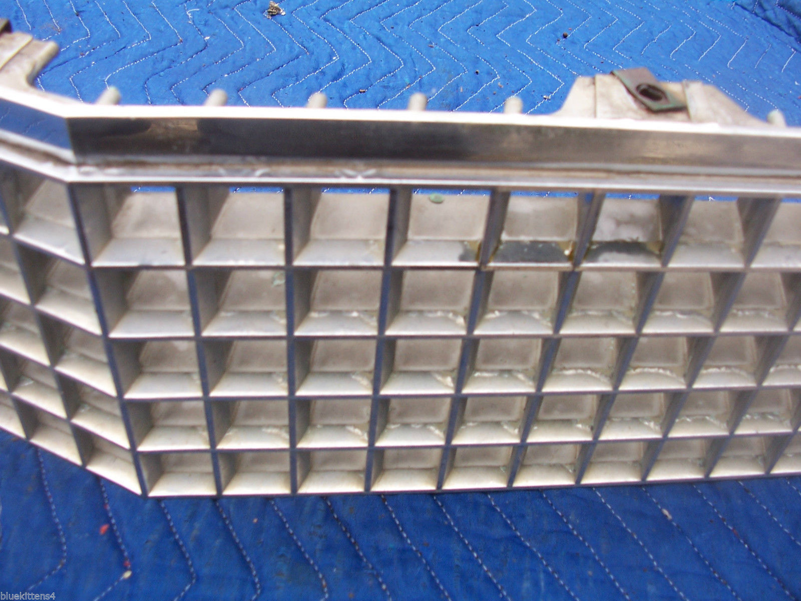 1979 DEVILLE GRILL OEM USED ORIGINAL CADILLAC GM PART 1614185 GRILLE FRONT 1978 image 4
