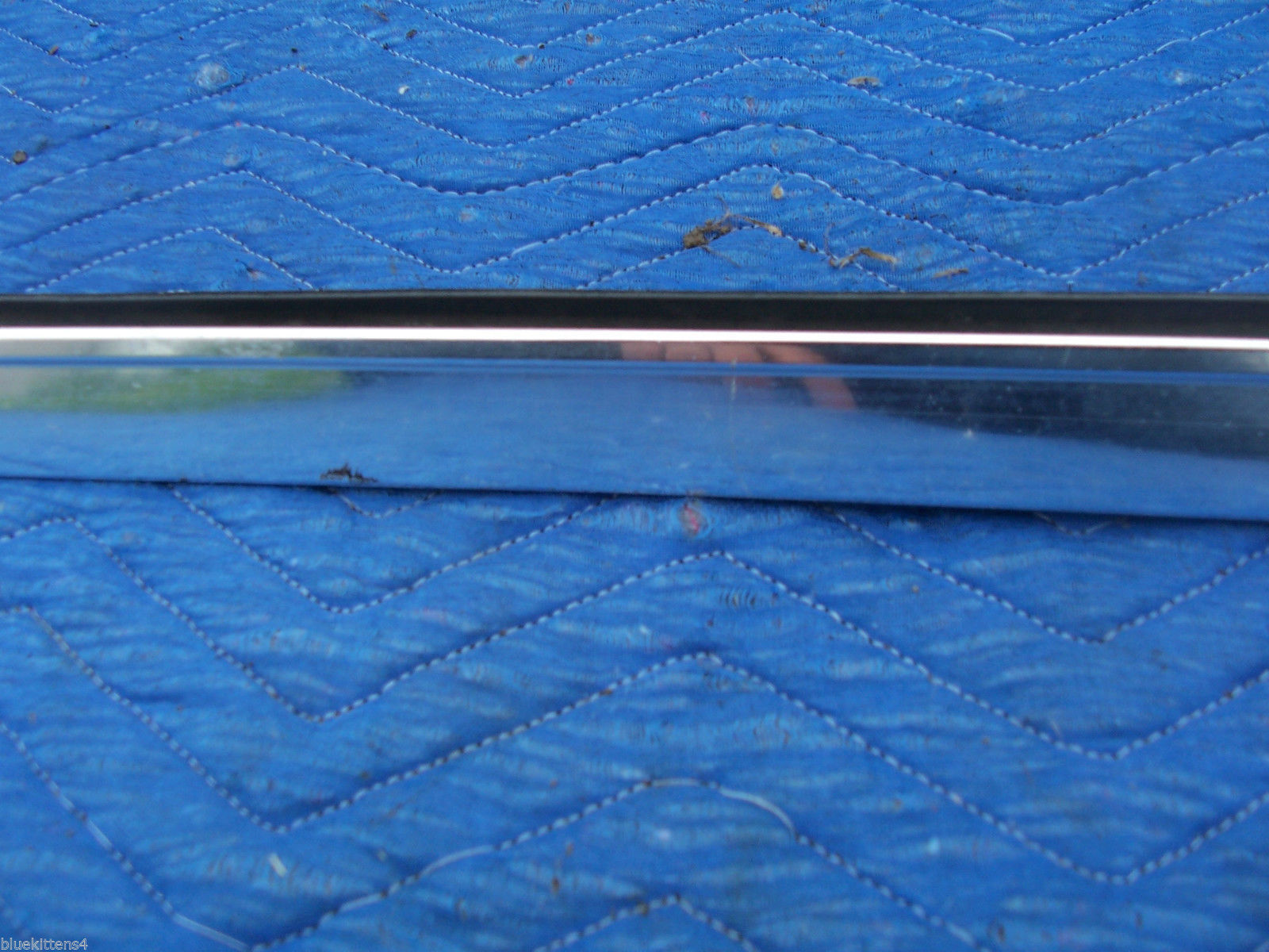 1978 1979  CONTINENTAL TOWNCAR RIGHT FRONT DOOR WINDOW TRIM MOLDING OEM USED