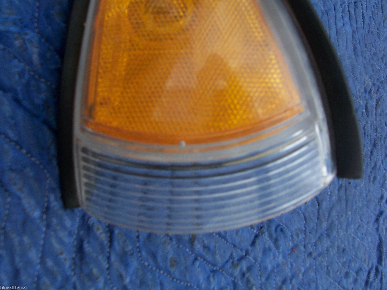 1996 1997 BONNEVILLE RIGHT CORNER MARKER SIGNAL LIGHT OEM USED ORIG PONTIAC GM image 4