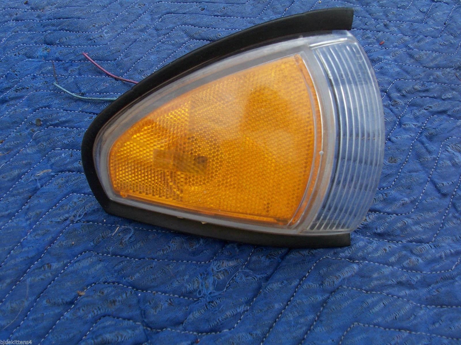 1996 1997 BONNEVILLE RIGHT CORNER MARKER SIGNAL LIGHT OEM USED ORIG PONTIAC GM