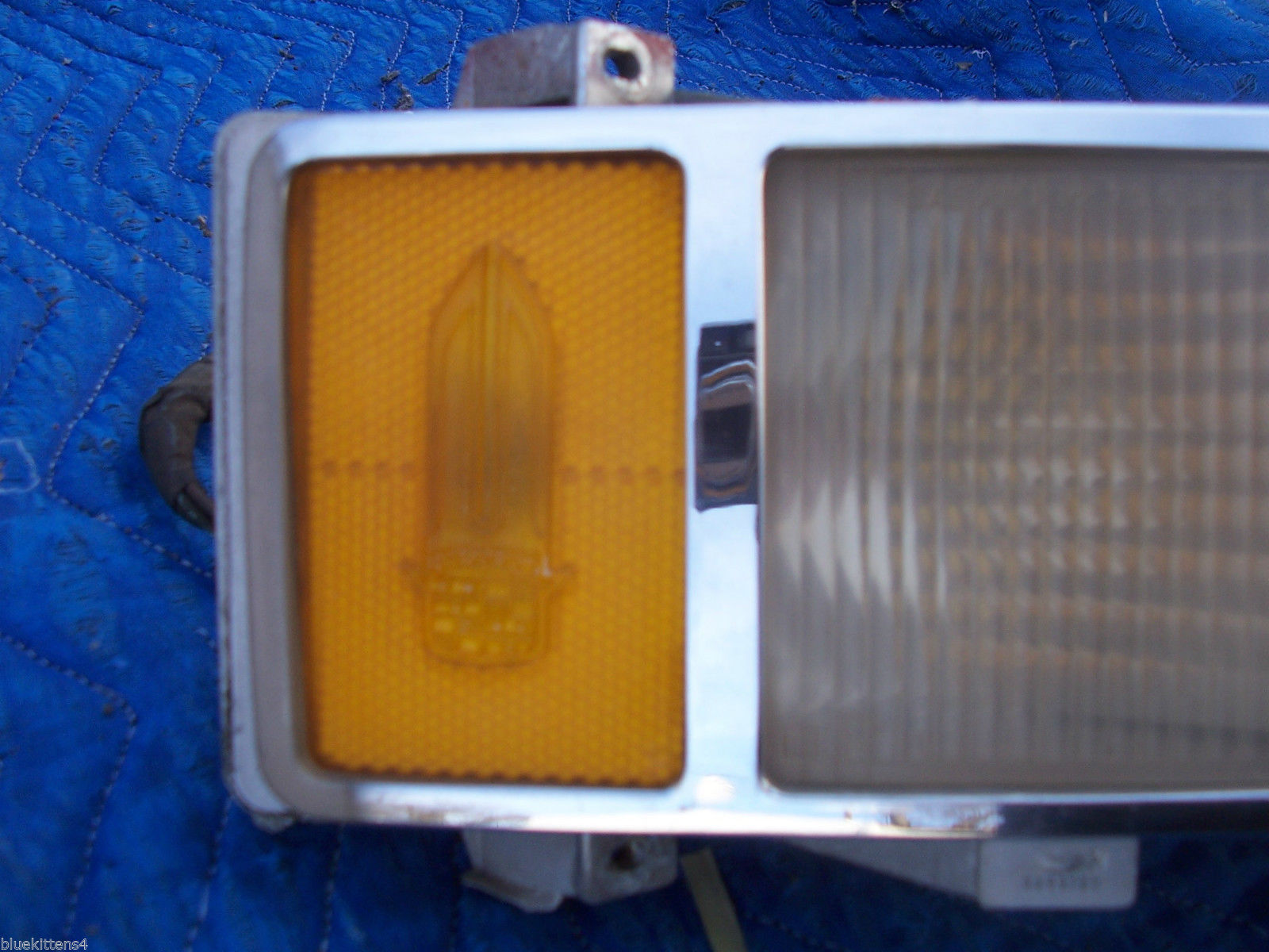 1975 60 SERIES DEVILLE FLEETWOOD RIGHT MARKER CORNER LIGHT TURN SIGNAL OE USED image 2