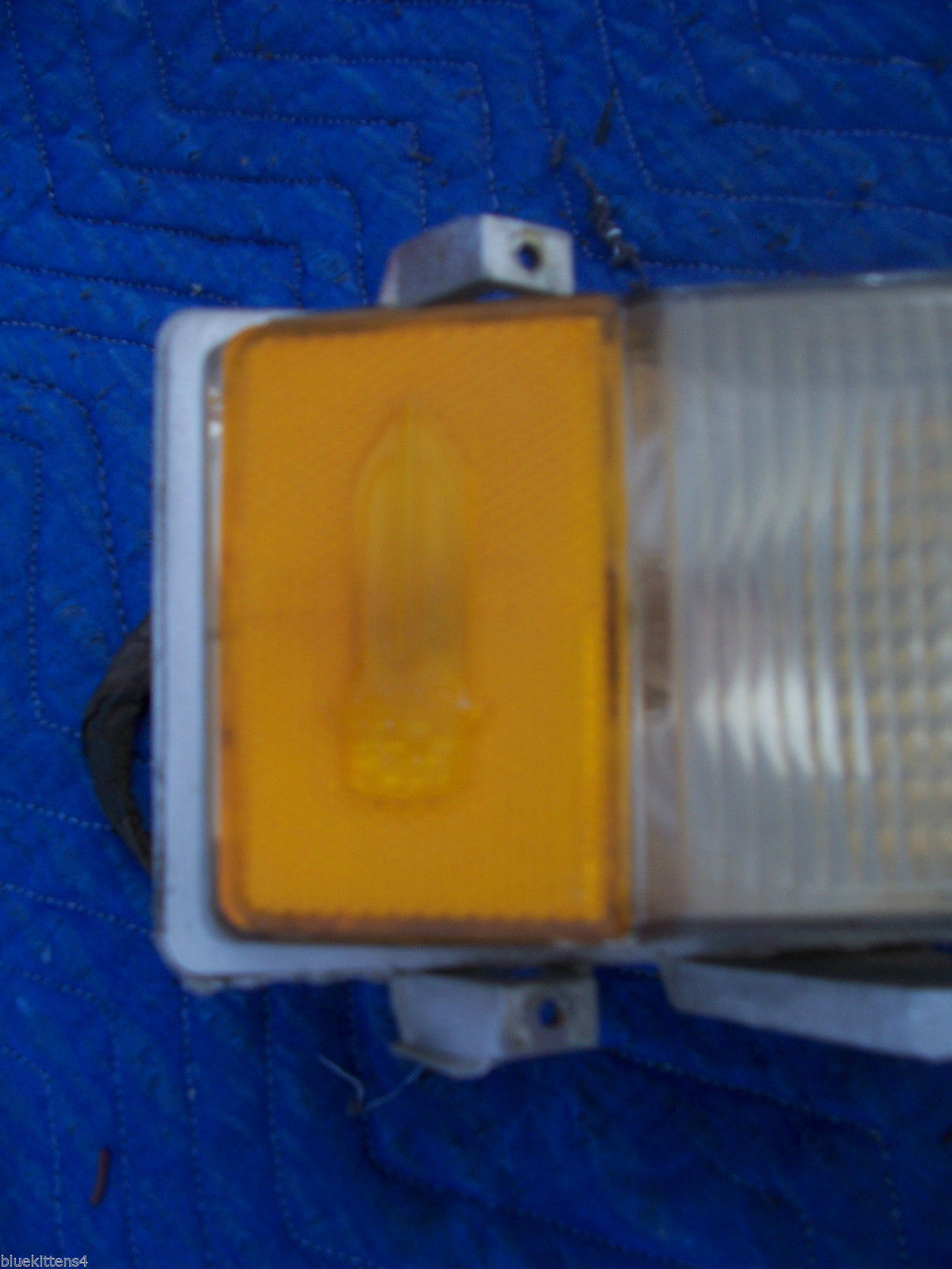 1975 60 SERIES DEVILLE FLEETWOOD RIGHT MARKER CORNER LIGHT TURN SIGNAL OE USED image 5