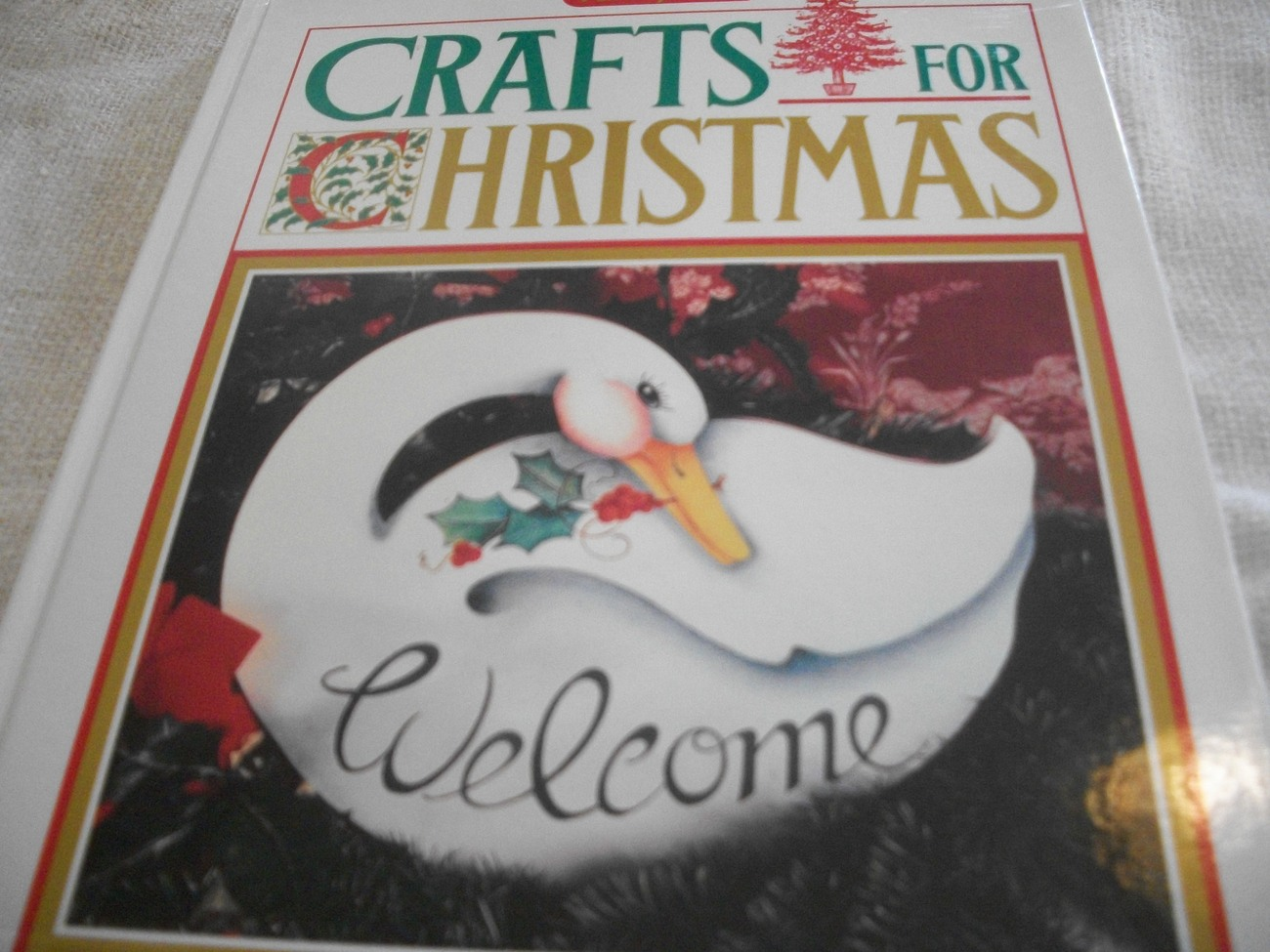 Primary image for Family Circle Crafts For Christmas Book