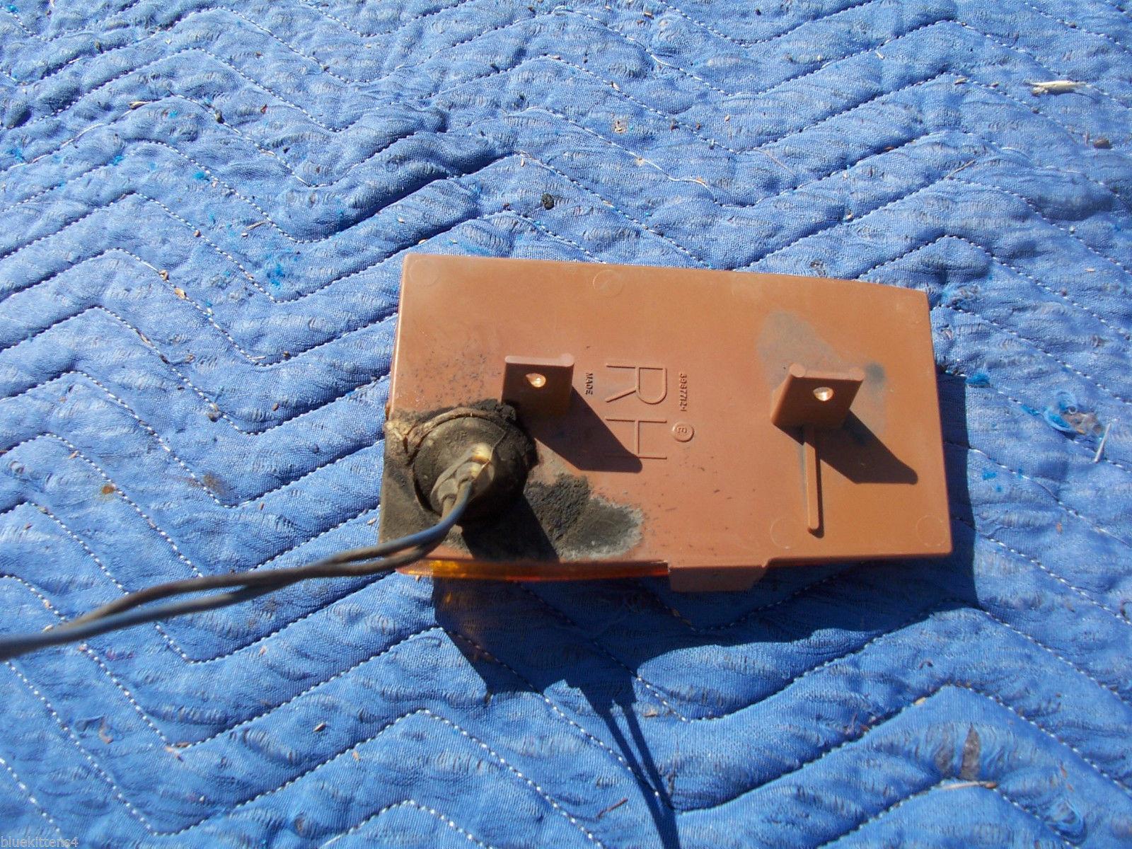 1977 BONNEVILLE RIGHT MARKER CORNER SIGNAL TURN  LIGHT OEM USED ORIG PONTIAC image 6